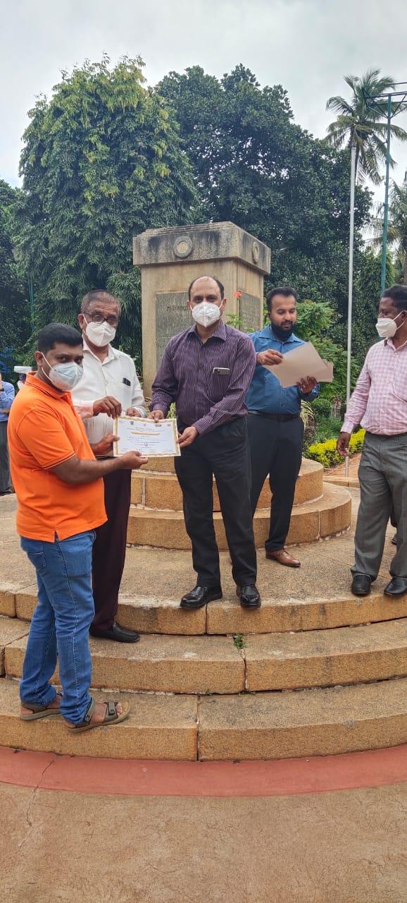 ಚನ್ನಪಟ್ಟಣದ ಗಿರೀಶ್ ಗೆ ವಿಕ್ಟೋರಿಯಾ ಆಸ್ಪತ್ರೆಯ ಕಾಯಕಲ್ಪ ಪ್ರಶಸ್ತಿ