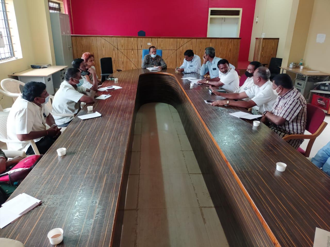 ಕೊರೊನಾ ನಿಯಮ ಪಾಲನೆಯೊಂದಿಗೆ ರಾಜ್ಯೋತ್ಸವ ಕಾರ್ಯಕ್ರಮ. ತಹಶಿಲ್ದಾರ್ ನಾಗೇಶ್